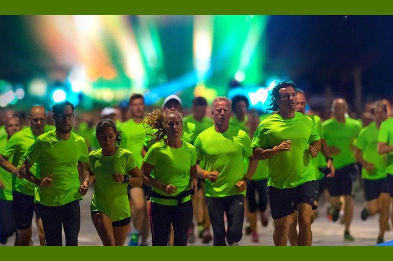 В Киеве состоялось спортивное шоу — ночной забег Samsung Galaxy S6 Night Run